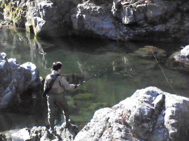 釣りは初めてという鹿賀さん